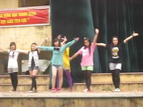 12d2+12d3 thpt tran hung dao - chu dance