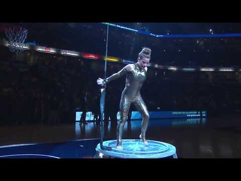 Sofie Dossi (Live @ Bankers Life Fieldhouse in Indianapolis) (18-10-2017)