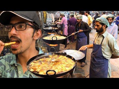 Largest IFTARI STREET In Lahore + ilyas DUMBA KARAHI   Pakistani Street Food In Ramadan