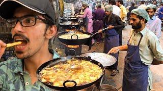 HEAVY IFTARI SCENE IN LAHORE + ilyas DUMBA KARAHI | Pakistani Street Food In Ramadan