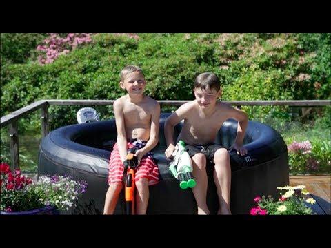 LUDOstore:mSpa barn får aldri nok av å leke i vann! - YouTube