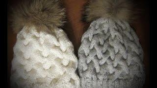 Вяжем спицами модные вязаные шапки узором