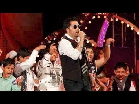 Mika Singh's 'Subah Hone Na De' At New Years Bash Performance