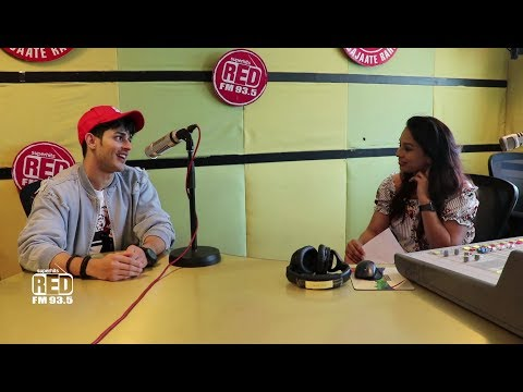 """I am Crazy for Jennifer Winget"" Reveals Priyank Sharma with RJ Akriti 