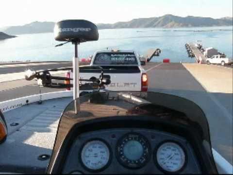 Diamond valley lake dvl bassboat rental youtube for Lake mathews fishing