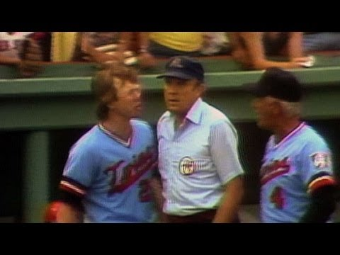 MIN@BOS: Cubbage and Mauch are ejected