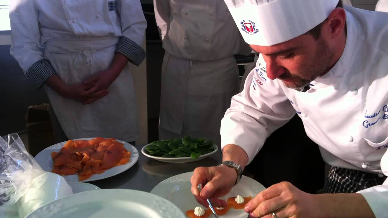 Chef Gianni Bono Backstage Preparativi Evento Stendahl Fleur De L