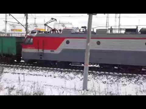"""Неожиданный грузовой. 3ЭС5К-671 """"Ермак"""" с грузовым поездом"""