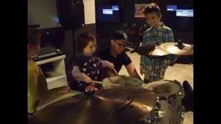 Джаз для малышей. Как играть на барабанах