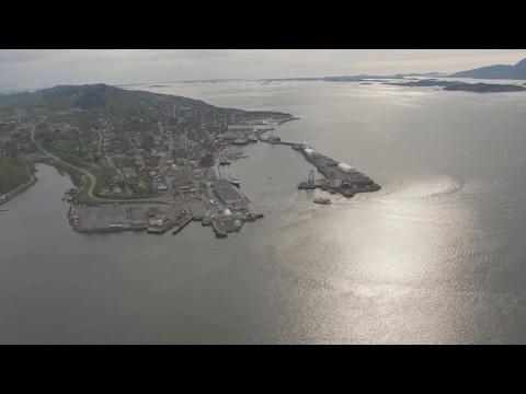 De syv søstre, Helgelandsbrua, Sandnessjøen - Flying Over Norway