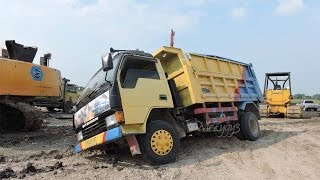 Dump Truck Stuck Recovery Using Komatsu D31P Bulldozer