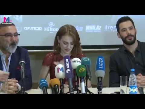 Elçin Sangu & Barış Arduç ❤️ interview ❤️ at the Izmir gala for the movie ❤️ Mutluluk Zamanı ❤️