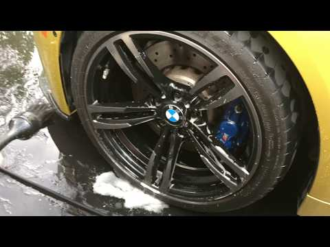 THE MOST DISGUISTING WHEEL CLEANING.. BMW M4 Gets its first wheel cleaning session