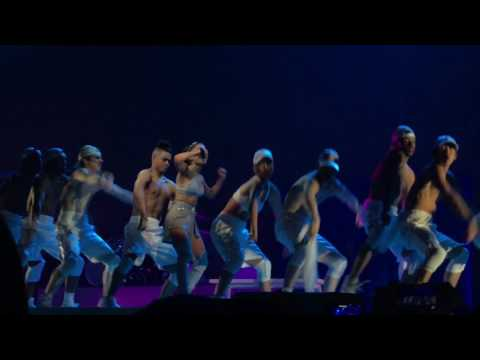 Female Intro, Side To Side, Bang Bang, And Greedy - Ariana Grande - Dangerous Woman Tour