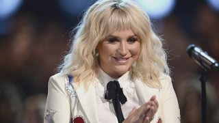 Kesha Performs Powerful Bob Dylan Cover at the Billboard Music Awards