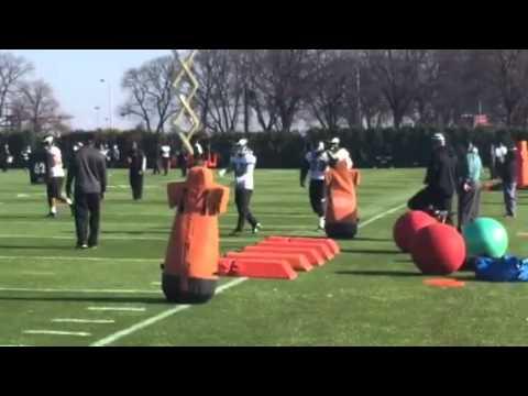 Eagles linebacker Steven Means at practice on 12-8-15