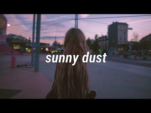 Polarrana - Sunny Dust [LYRICS]