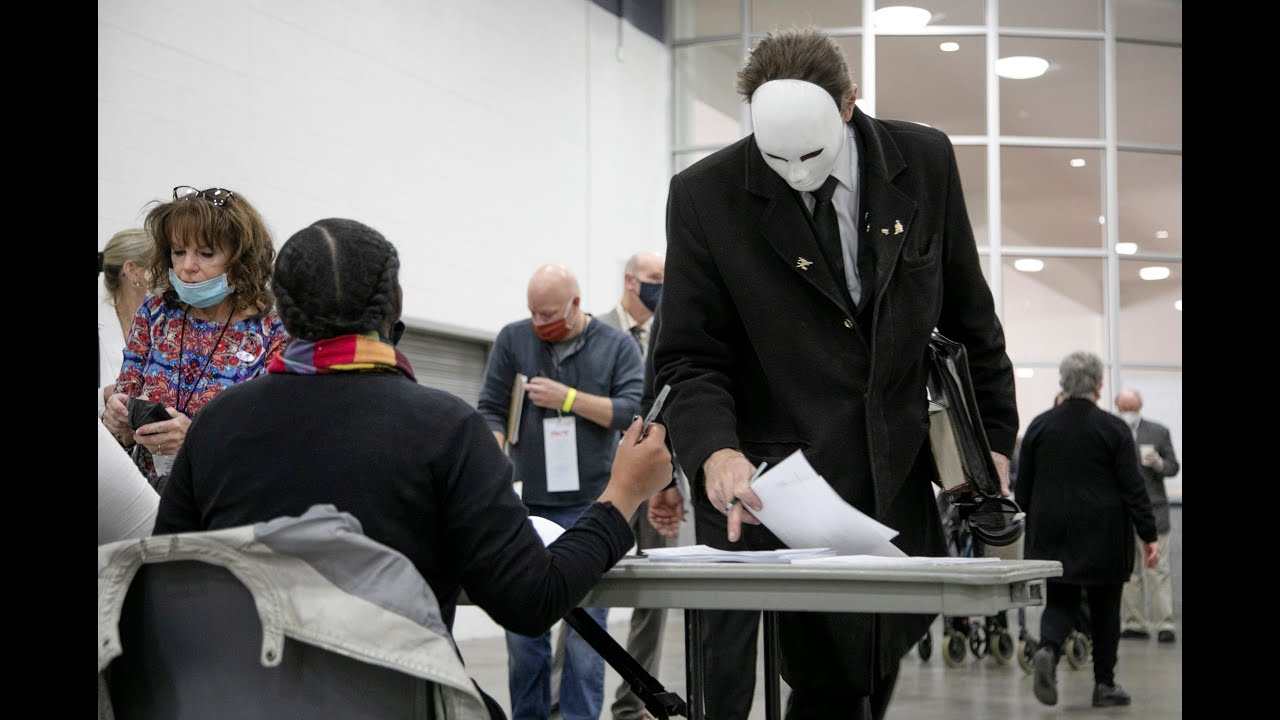 Download 2 poll challengers removed in Detroit after ballot processing begins