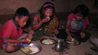 Cooking delicious food in village and eating by family ll primitive technology