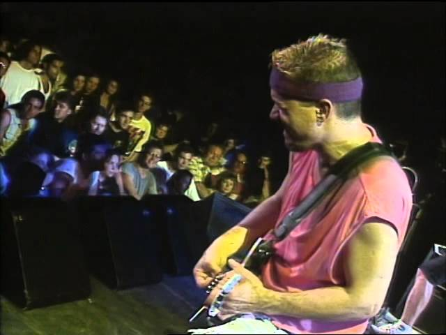 van-halen-theres-only-one-way-to-rock-8-19-1995-toronto-official-van-halen-on-mv