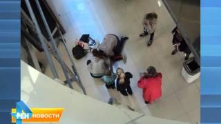 "ЧП  в ТРЦ ""Тау-галерея"": ребенок упал со второго этажа"