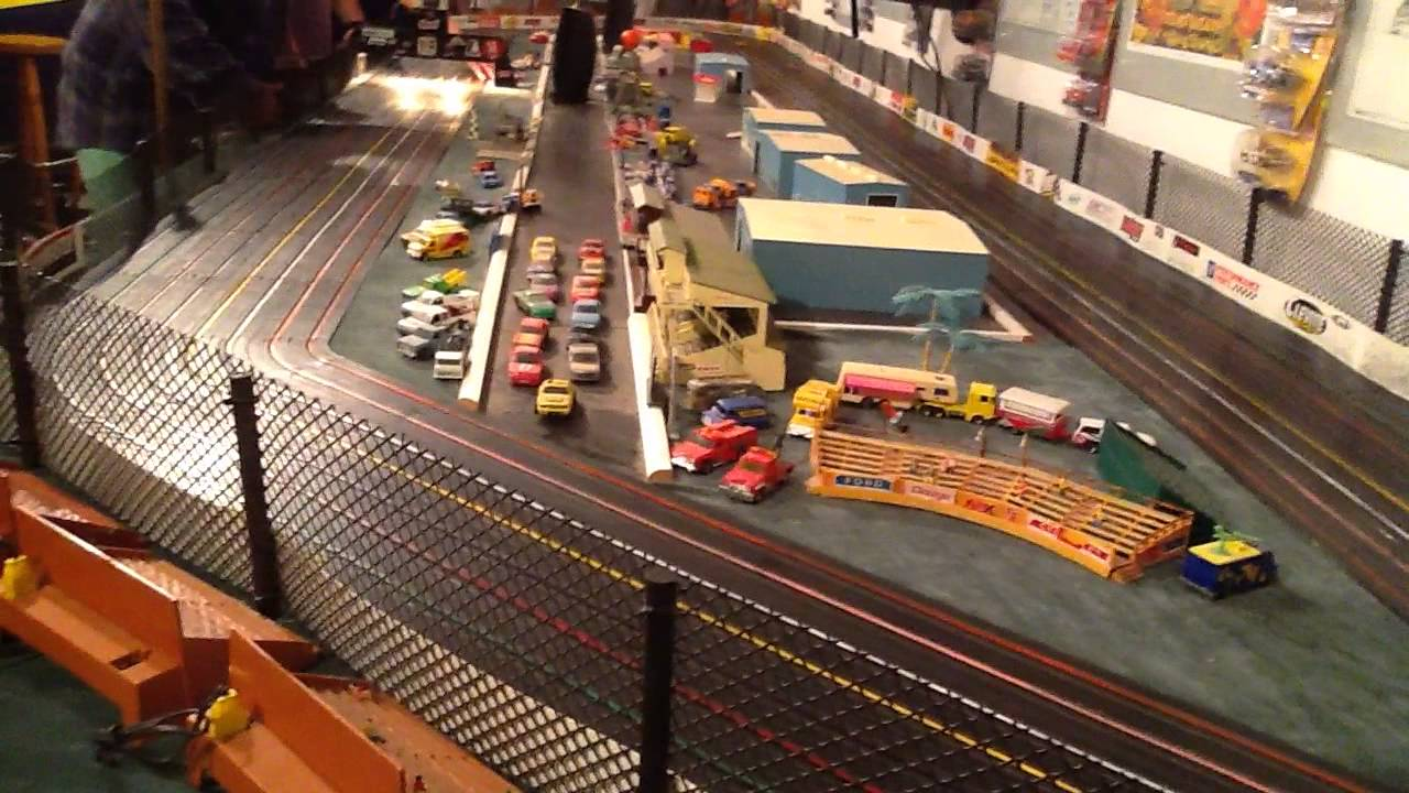 Jun 01, · Tonight the Monster Hobbies 1/32 scale Carrera Digital Slot Car League continues with the NASCAR Daytona - Race #3.Did you like this video?Wa.