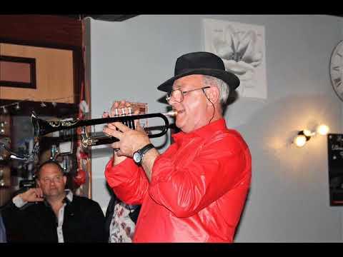 un jour LARA Ronald a la trompette
