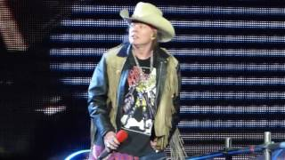 """Axl Tells Slash Playing Bad Ass Shit & Knockin"" Guns N Roses@Metlife Stadium NJ 7/24/16"