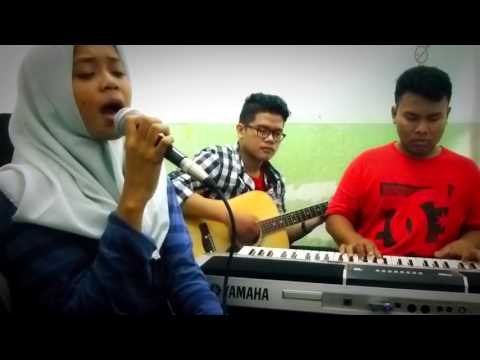 Sherina Munaf - Simfoni Hitam (Acoustic Live Cover)