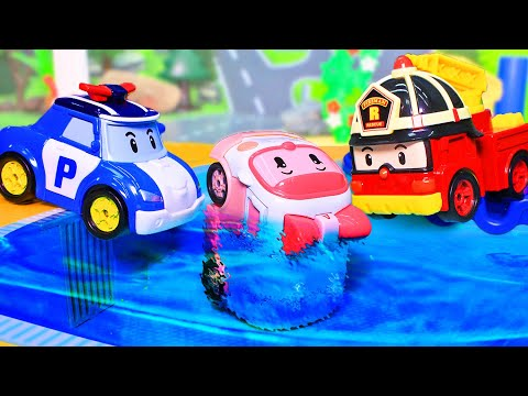 Мультфильмы с игрушками Робокар Поли и его друзья – машинка Эмбер в бассейне - Видео для детей 2020