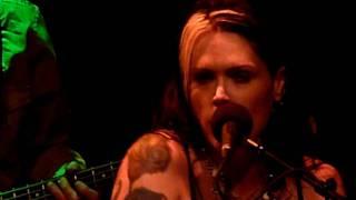 Смотреть клип Beth Hart - One Eyed Chicken