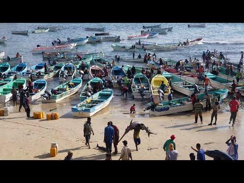 som fishing port in Indian Ocean
