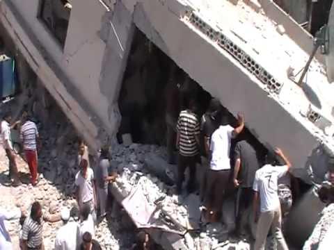 درعا// الغرية الغربية: محاولة انتشال النساء والاطفال2-8-