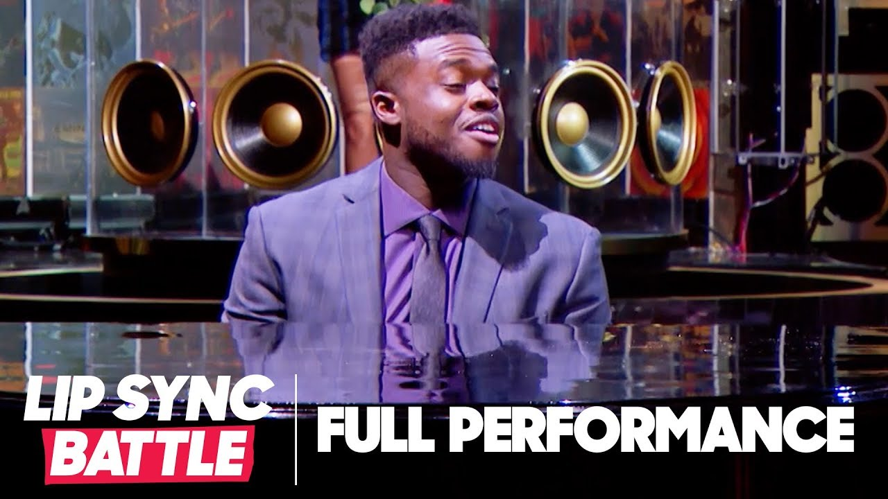 "Kevin Olusola Serenades Chrissy Teigen with ""Love Me Now"" 