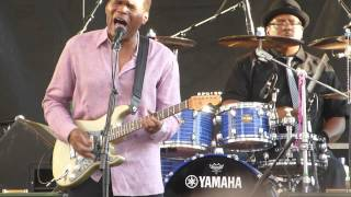 "Robert Cray Band - ""Right Next Door (Because of Me)"" - 7/17/14"