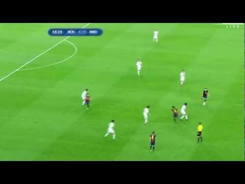 Messi fools Khedira (23/8/2012) barcelona vs realmadrid