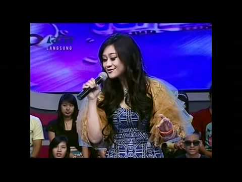 Poppy Capella di Performed di Dahsyat 21 Desember 2011 Courtesy MNC (RCTI)