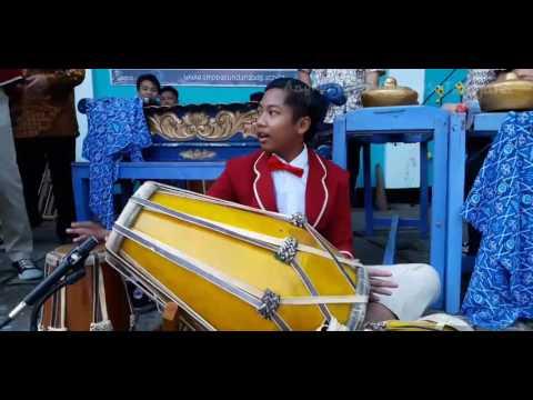 Terajana-Angklung SMP Pasundan 1 Bdg.