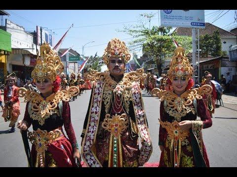 karnaval-genteng-smk-17-agustus-&-sma-muh-2-banyuwangi