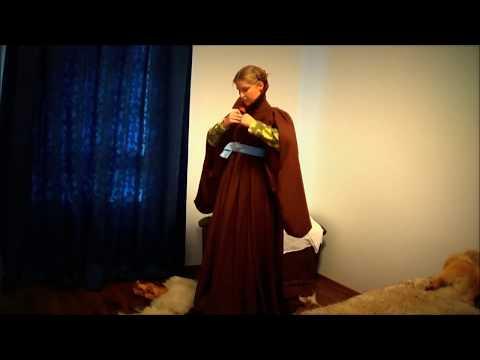 How to dress a 15th century houppelande