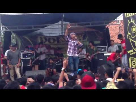 Dhyo Haw - Kecewa Live In Bisfor ( 7 April 2013 )