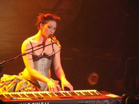 Клип Amanda Palmer - I Want You But I Don't Need You