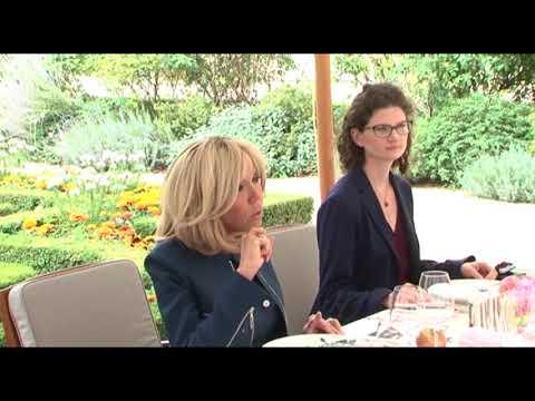 France: Brigitte Macron reçoit Dominique Ouattara à l'Elysée