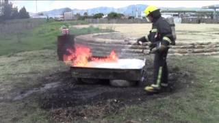 МиниПожарный - огнетушащий баллончик(«Минипожарный» (Minibombero) — малый аэрозольный баллон объемом 250 мл, который генерирует огнетушащую пену, спос..., 2016-01-23T10:40:02.000Z)