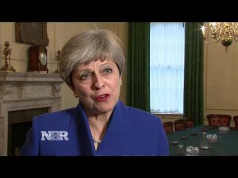 UK conservatives lose majority