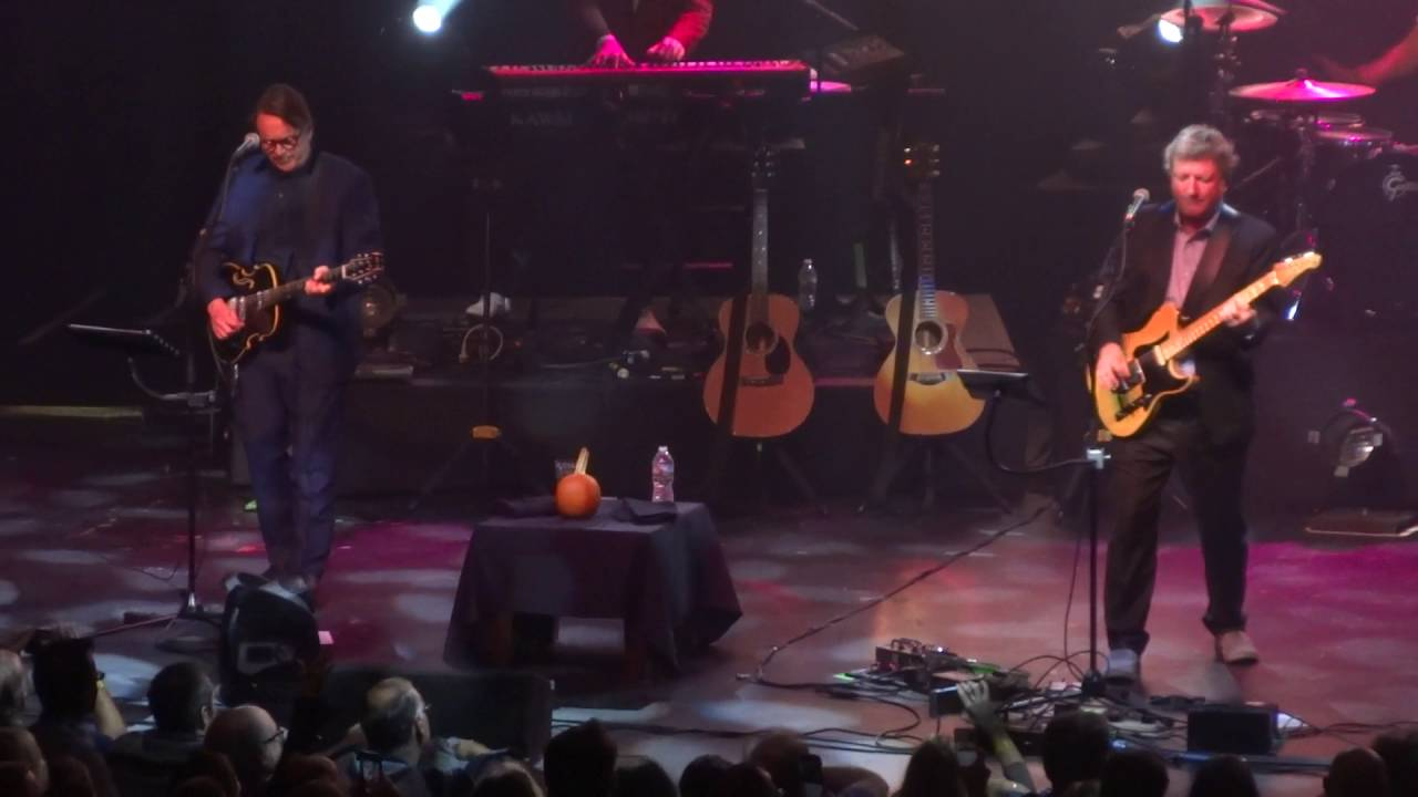 Squeeze - Another Nail In My Heart Live @ The Paramount, Huntington ...