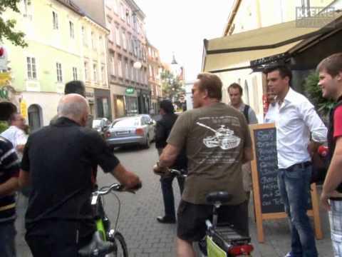 Arnold Schwarzenegger beehrt Graz
