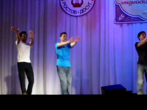 """Daria Dmitryukhina (Leela theater) dancing to Mamta Sharma & Meet Bros Anjjan """"Pinky""""из YouTube · С высокой четкостью · Длительность: 2 мин58 с  · Просмотров: 452 · отправлено: 28-10-2014 · кем отправлено: Alexander Popov"""