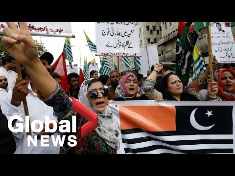 Hundreds protest in Pakistan after India strips Kashmir of special status