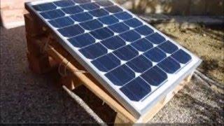 COME COSTRUIRE UN IMPIANTO FOTOVOLTAICO [Fai da te](Come costruire un impianto fotovoltaico fai da te in sole 5 procedure! 1)Collego la batteria al regolatore di tensione 2)Verifico che si accenda correttamente il ..., 2016-04-15T18:56:29.000Z)